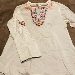 Cute Options White embroidered top
